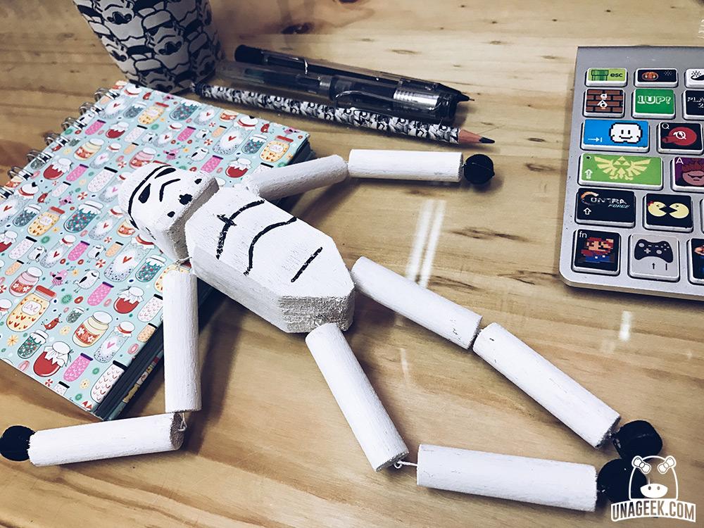 DIY: «Stormie» el Stormtrooper de madera de Jyn Erso en Rogue One