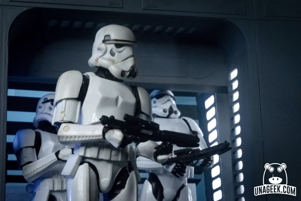 Recreación Escena con Figuras de Acción | Stormtrooper golpe | UnaGeek-01